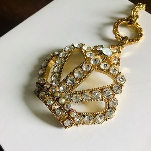 BETSEY JOHNSON || Crystal crown necklace